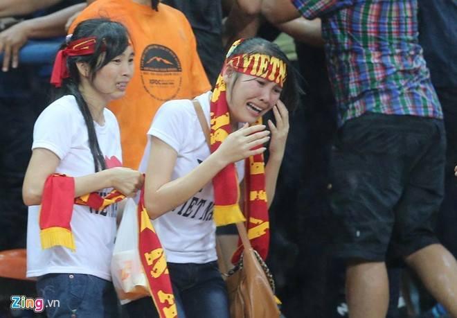 Gambar Pergaduhan Ketika Perlawanan Malaysia vs Vietnam 05