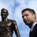 Ronaldo Bina Tugu Sendiri Di Kampung Halaman